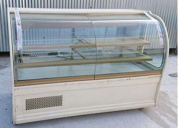 Εικόνα της Βιτρίνα Ζαχαροπλαστείου με ψυκτικό μηχάνημα 1.96 m, μεταχειρισμένη